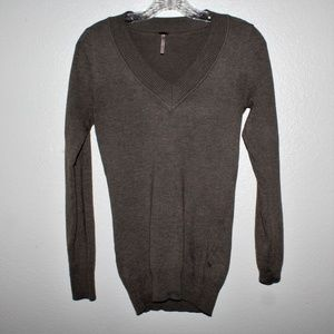 Poof Sweater LS